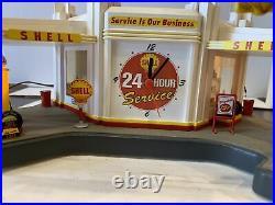 DANBURY MINT VINTAGE SHELL GAS SERVICE STATION CLOCK DIORAMA DISPLAY all workin